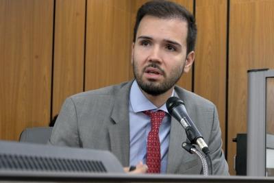 Tadeu Martins Leite cobra conclusão de escolas técnicas do Brasil Profissionalizado